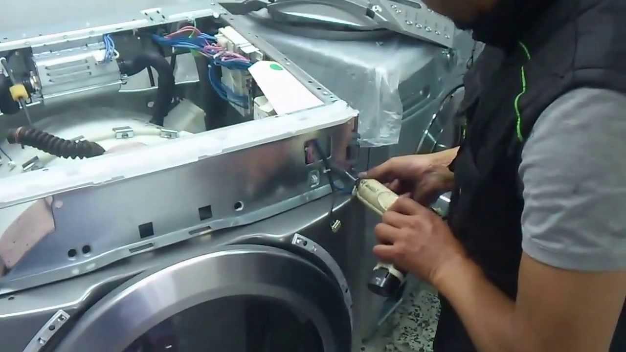¿Por qué dar mantenimiento a una lavadora?
